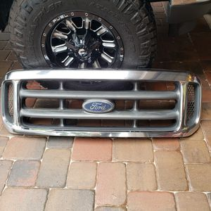 Front grille OEM 99-04 Ford F250 for Sale in Longwood, FL