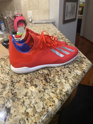 Adidas indoor soccer shoes. Size 10 for Sale in Wichita, KS