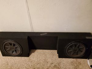 12 inch KICKER Comp VR subs and Ground Shaker Box for Sale in Stockton, CA