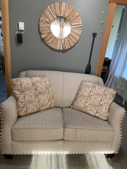 Studded Loveseat In Great Condition. PPU Camano Island. for Sale in Camano,  WA