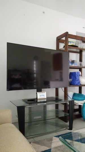 TV and book shelves for Sale in Fort Lauderdale, FL