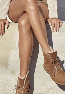 Ugg quincy Boots womans 8 (7 1/2) for Sale in Laveen Village,  AZ