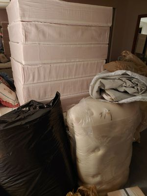 King sized sleep number mattress (no frame included) for Sale in Tampa, FL