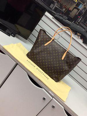 Genuine Louis Vuitton raspail gm m40609 tote bag used in great condition for Sale in Orlando, FL