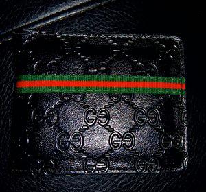 Gucci man wallet for Sale in Phoenix, AZ
