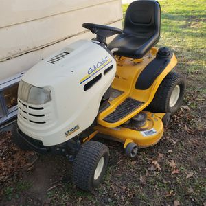 Cub Cadet LT1045 Riding Mower for Sale in Maxwell, IA