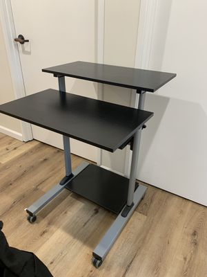 Standing mobile desk for Sale in Los Angeles, CA