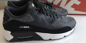 Nike Air Max size 8 Women's/6 youth boys for Sale in Edgewood, WA