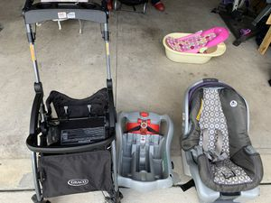 infant car seat / base for Sale in Jacksonville, NC
