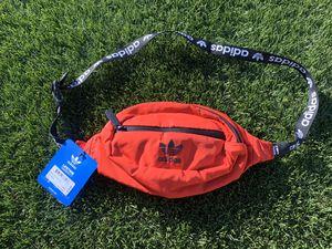 Adidas waist bag for Sale in Laveen Village, AZ