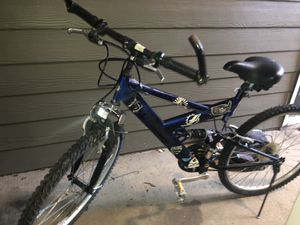 6 speed bike for Sale in Atlanta, GA