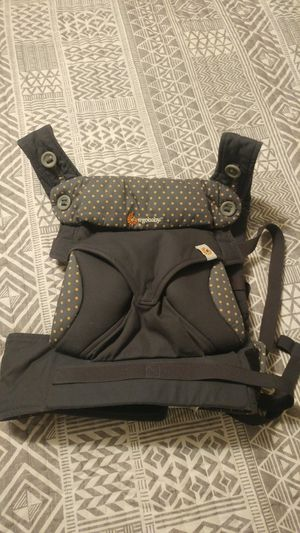 Ergo Baby Four Position 360 baby carrier for Sale in Kernersville, NC