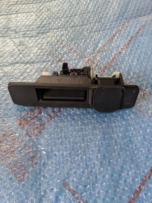 Mercedes Benz GL63 Tailgate Handle for Sale in Downey, CA