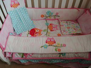 Crib bedding and wall decor for Sale in Everett, WA