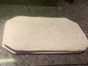 8 piece place mat set - Brand New for Sale in Scottsdale, AZ