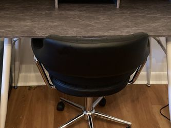 Office Desk and Chair for Sale in Nashua,  NH