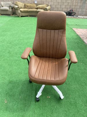 Office desk chair nueva $85 for Sale in Irwindale, CA