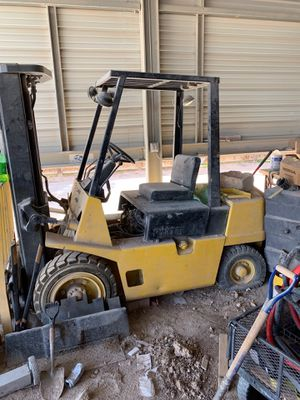 Hyster 50 XL 5000 lb capacity propane forklift three stage side shift for Sale in Las Vegas, NV