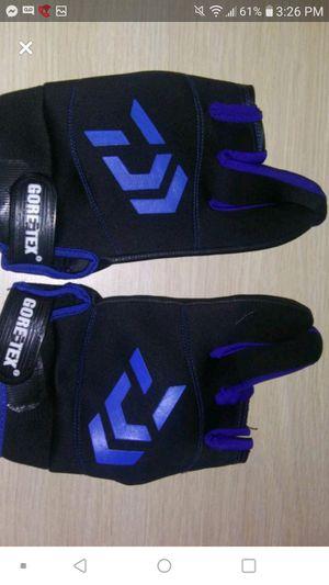 Daiwa fishing gloves for Sale in Nashville, TN