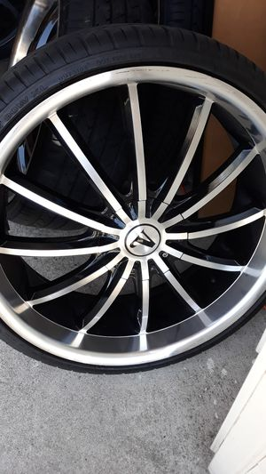 "22"" VELOCITY RIMS CHROME AND BLACK (5/115)( 5/120) for Sale in Chula Vista, CA"
