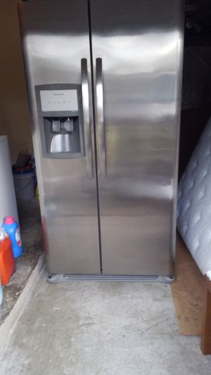 Refrigerador Todo trabaga bien for Sale in Houston, TX