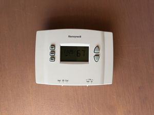 Honeywell programmable thermostats $15.00 each (qty: 5) for Sale in Boxborough, MA
