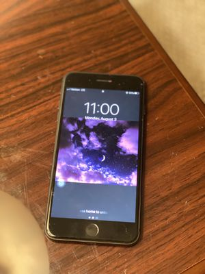 Unlocked iPhone 8 Plus for Sale in Colonial Heights, VA