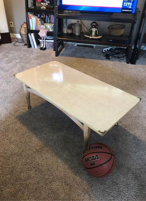 Mid century coffee table game USA for Sale in Woodway, WA