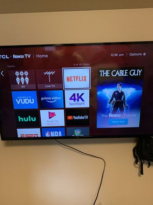 55 inch TCL Roku TV with wall mount for Sale in Puyallup, WA
