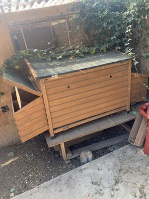 Free chicken coop for Sale in Los Angeles, CA