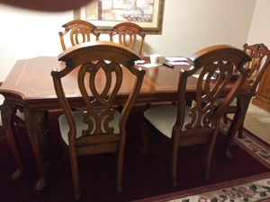 Nice wood dining table with 6 chairs in 1 leave for Sale in Hesperia, CA