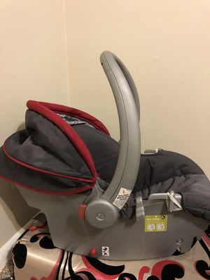 Baby car seat for Sale in De Pere, WI
