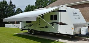 2O11 Palomino 5th wheel camper for Sale in Jackson, MS