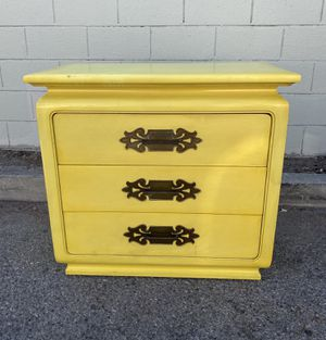 Vintage Mid-Century Yellow Dresser for Sale in Los Angeles, CA