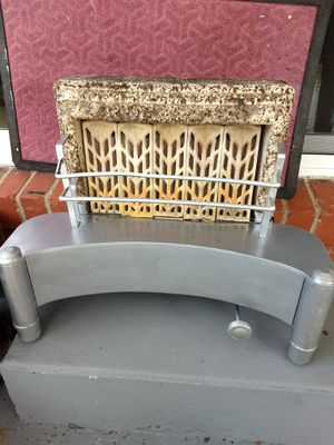 Old stand alone natural gas heater for Sale in Marietta, OH