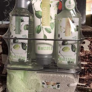 Minted Coconut & Olive Oil Shower Gel, Body Lotion, Cream Bath, Puff, Pumice Stone, & Wire Rack for Sale in Elma, WA
