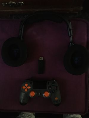 PS4 remote and turtle beach headset for Sale in Compton, CA