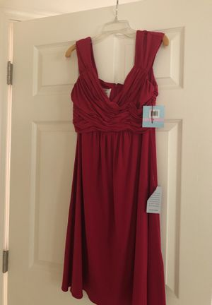 Size 6 dress never been worn. Still has tags on. Zipper back for Sale in Tinton Falls, NJ