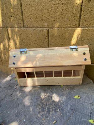 Comedero para aves for Sale in Phoenix, AZ