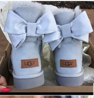 UGG BAILEY BOW WATERPROOF size 9 for Sale in Silver Spring, MD