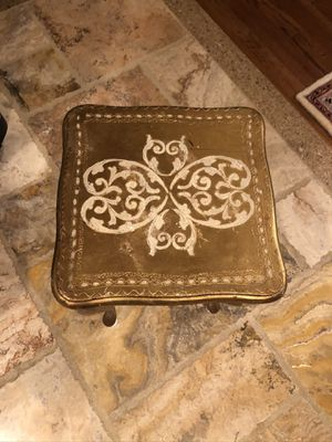 Small Vintage authentic Florentine side table for Sale in GRND VW HUDSN, NY