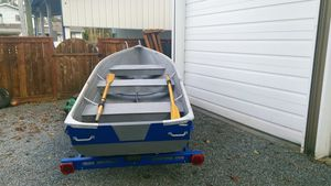 12 ft Starcraft aluminum boat and trailer for Sale in Marysville, WA