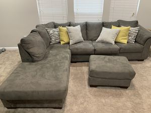 EXCELLENT CONDITION SECTIONAL COUCH for Sale in Burlington, NJ