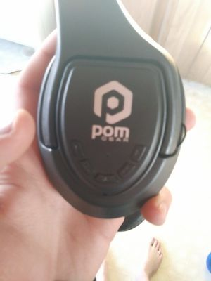 Pom gear headphones for Sale in Tacoma, WA