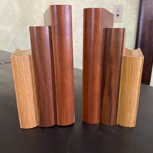 Vintage Pair of Stack of Books Shaped Wood Carved Bookends VG for Sale in Norwalk, OH