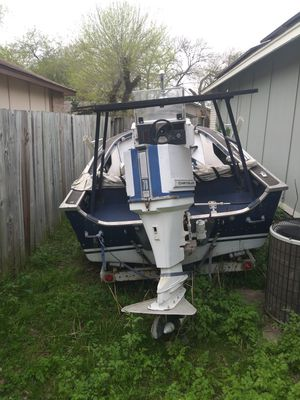 Must go today!! 15ft Bay boat with trailer for Sale in San Antonio, TX