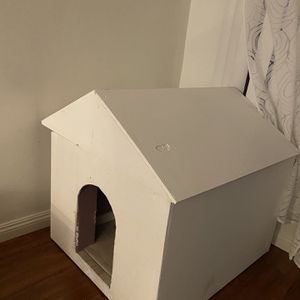 Wooden Dog House for Sale in Los Angeles, CA