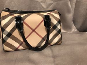 Burberry- Nova check Chester bowling bag for Sale in The Bronx, NY