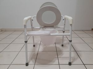 Tuffcare m350 steel bedside toilet commode for Sale in Miami, FL