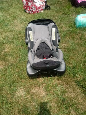 Infant car seat gently used for Sale in Columbus, OH